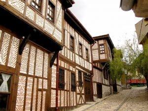 geleneksel-sivrihisar-evleri
