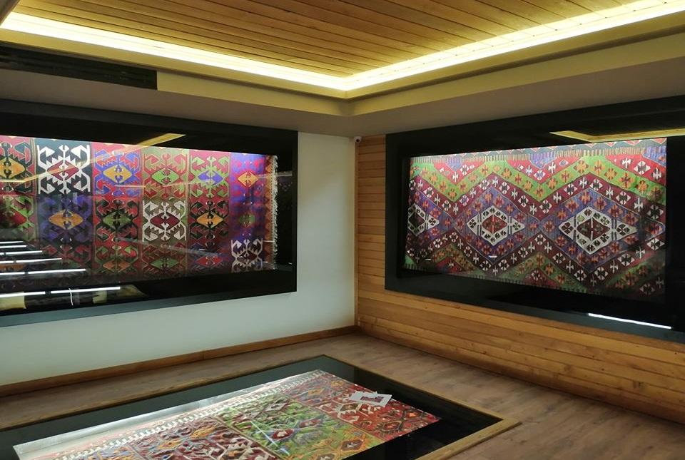 kilim muzesi ici 3 - Sivrihisar Kilim Müzesi 20 Mart'ta Açılacak