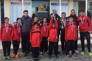 m.kaplan kros 2 300x200 - Mehmet Kaplan Ortaokulu Kros Yarışması
