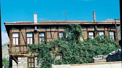 sefik sakarya evi 414x232 - Şefik Sakarya Evi