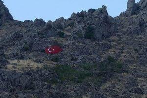 sivrihisar kaya bayrak 300x200 - Sivrihisarlı Olmak