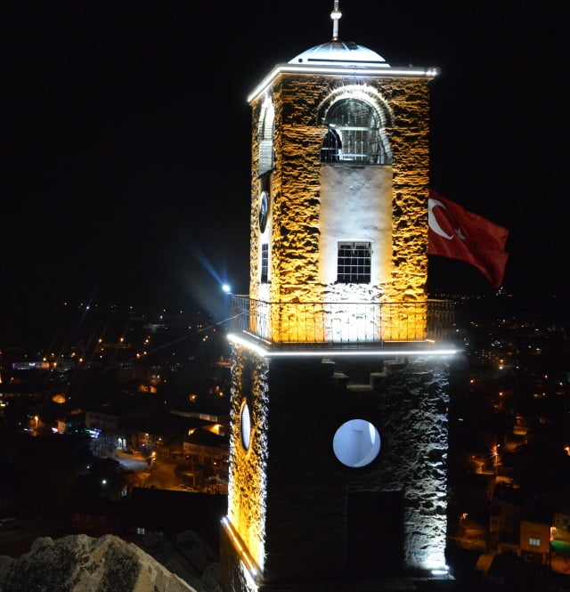 sivrihisar-saat-kulesi-gece