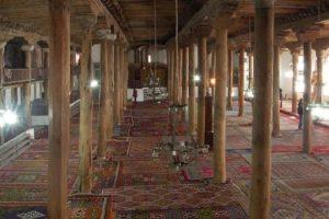 ulucami tarihi halilar 300x200 - Ulu Cami Halıları